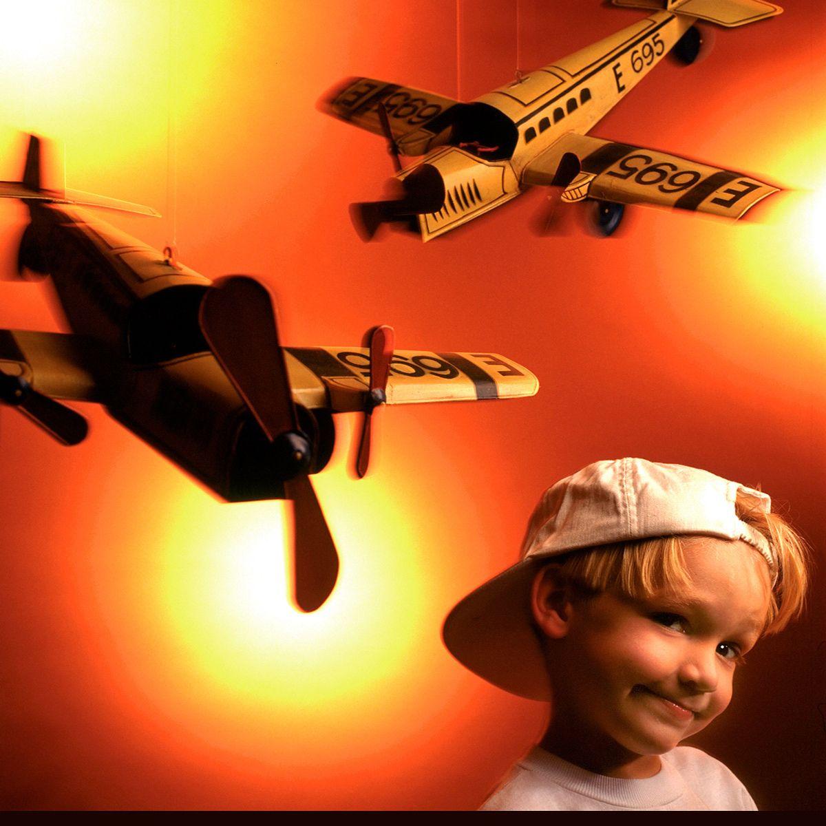 16_0_719_1jake_planes.jpg
