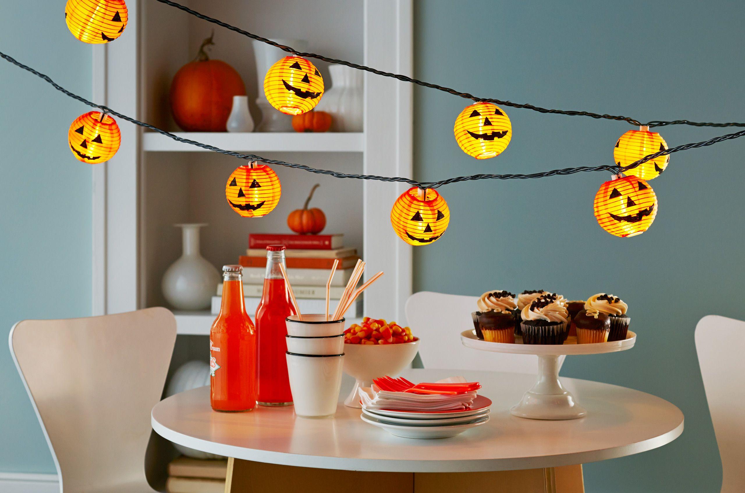 Pumpkin_Stringlight_party.jpg