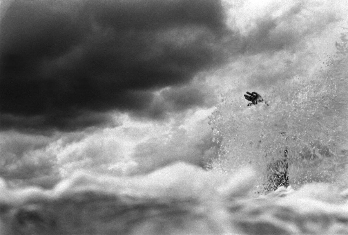 hand_surfer1a.jpg