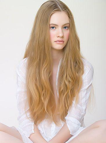 1Oxana_NightShirt_Portrait