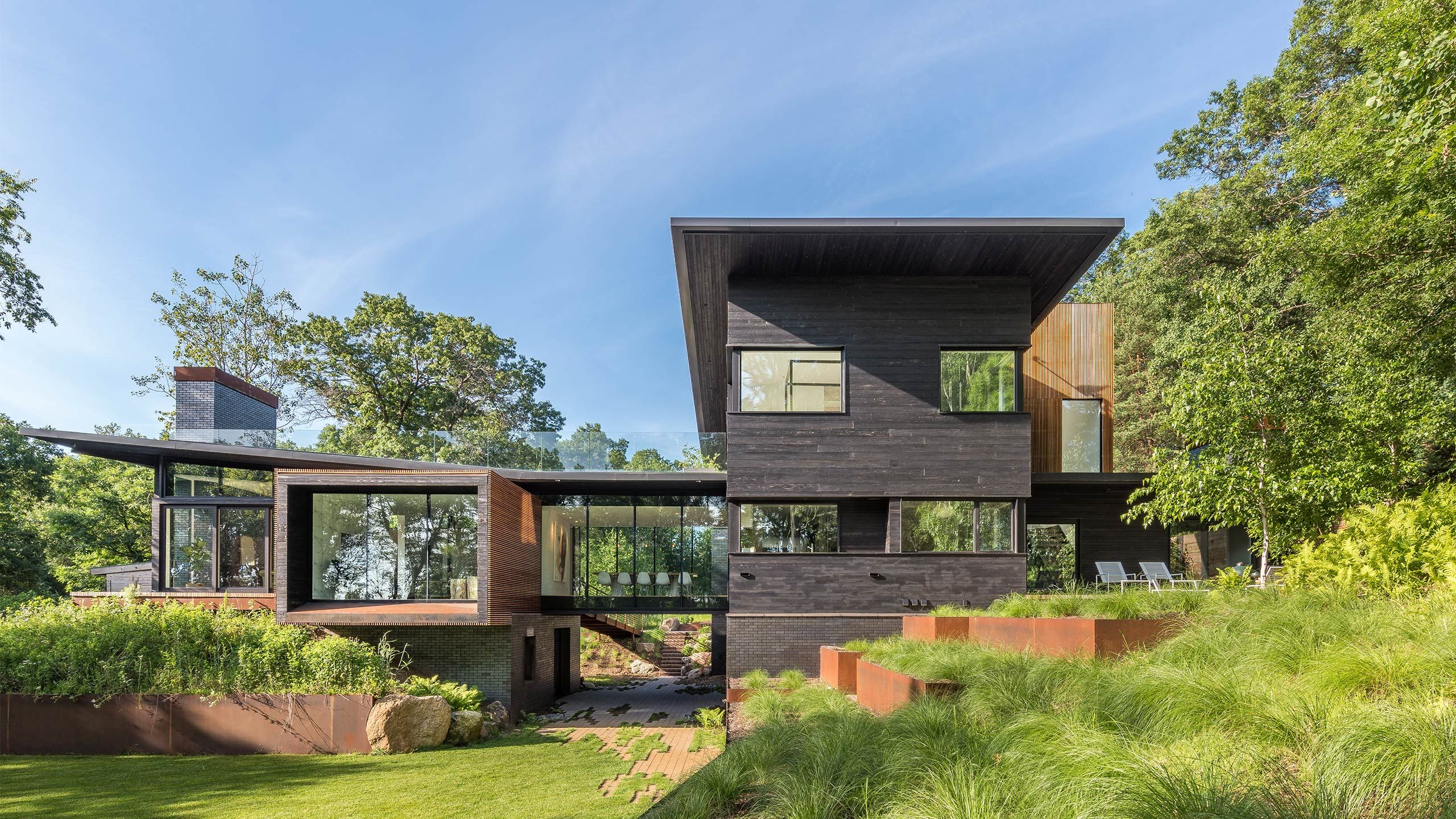 SALA ARCHITECTS' SHADOW BOX RESIDENCE