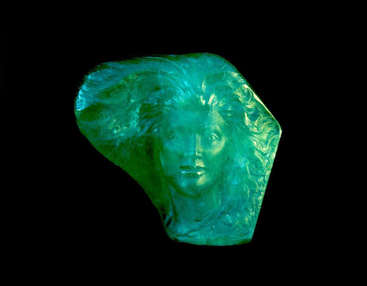 Emerald, Columbian, Gem Scupture 830 ct. object d'art