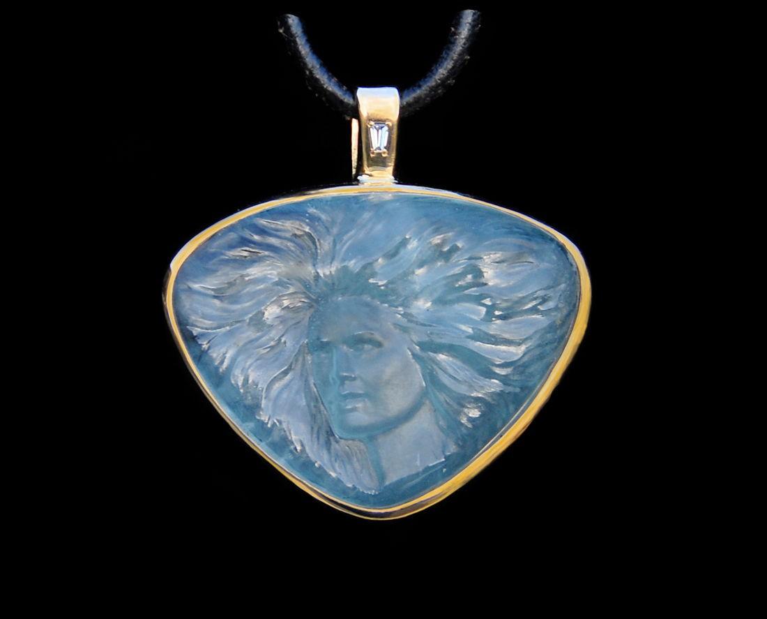 Aquamarine Gem Sculpture Face pendant 36 ct. in 14 kt yel. gold