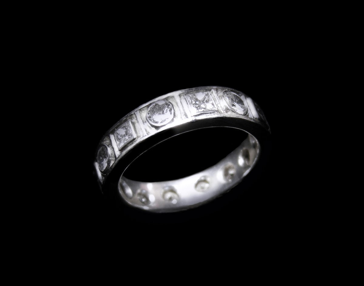 Platinum Ring with Alternating Princess and Round Diamonds