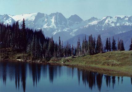 Tenpeak Range, Image Lake, North Cascades National Park, Washington