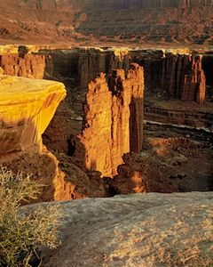 Sunrise, Monument Canyon, Canyonlands National Park, Utah