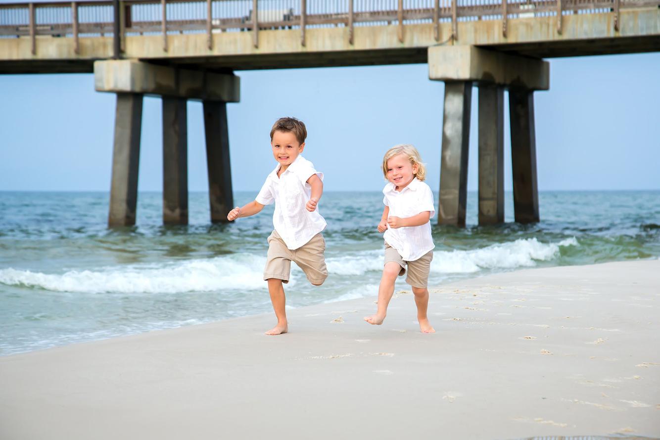 Children racing on the beach