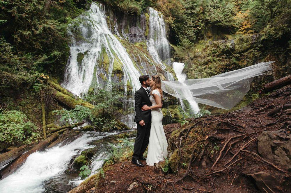 waterfall-elopement24.jpg