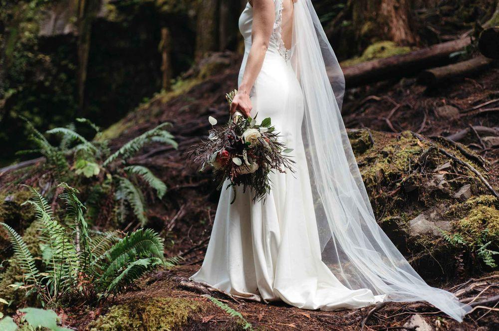 waterfall-elopement12.jpg