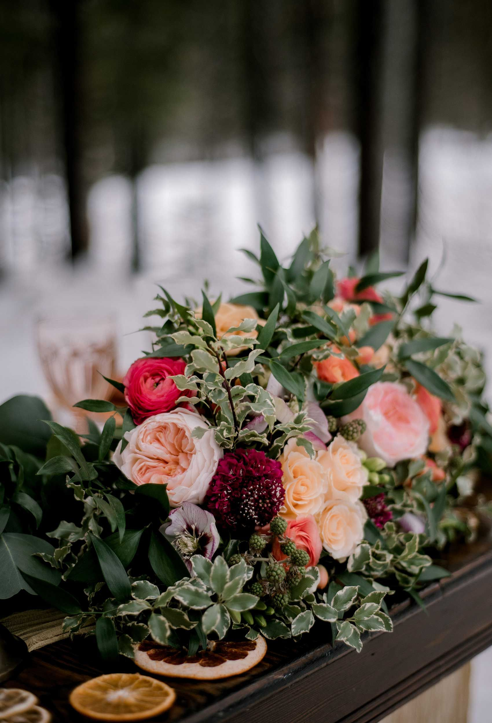 Winter-elopement-florals