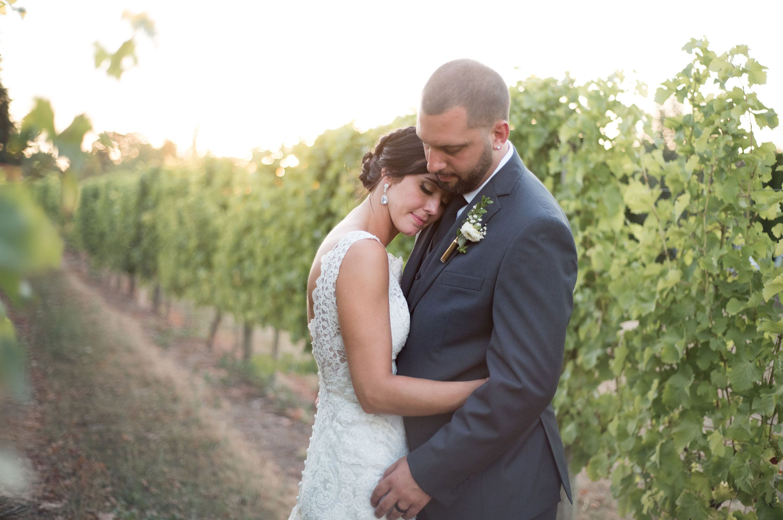 Oregon vineyard wedding