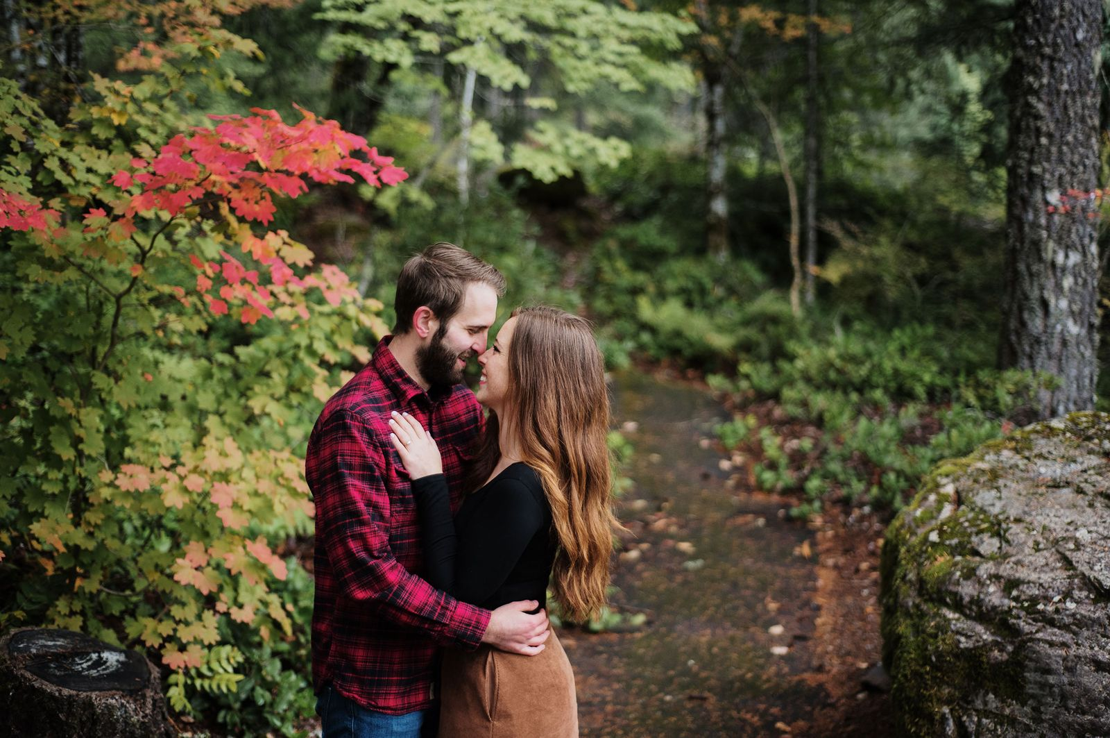 Oregon fall engagement photos