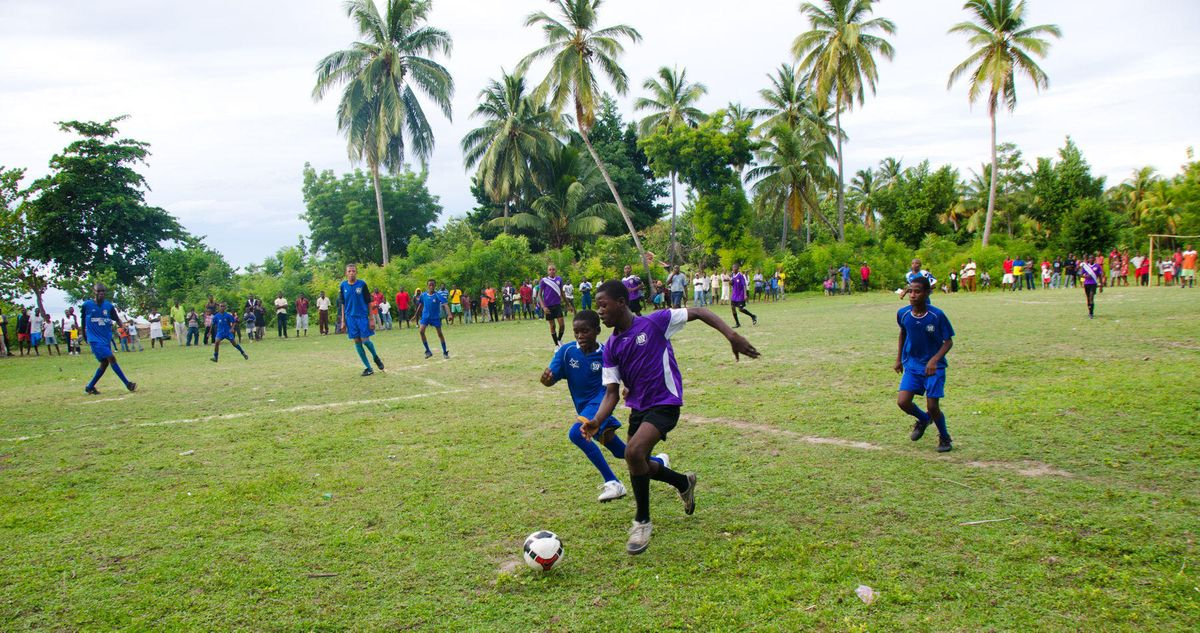 1ile_a_vache_soccer_haiti_4