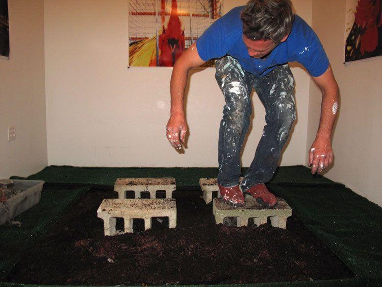 Makram Hamdan installing his piece.