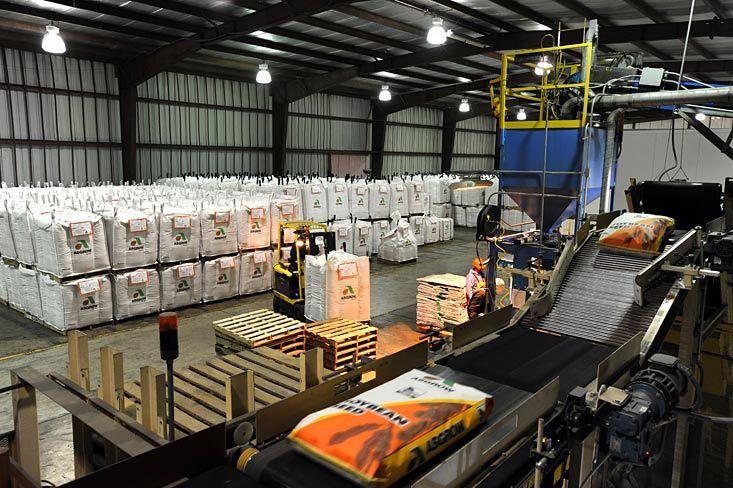 Monsanto seed treatment facility / Mason City, IL