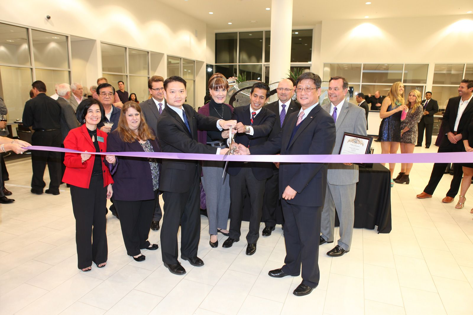 IMG_oc-infinti-cutting-ribbon.jpg