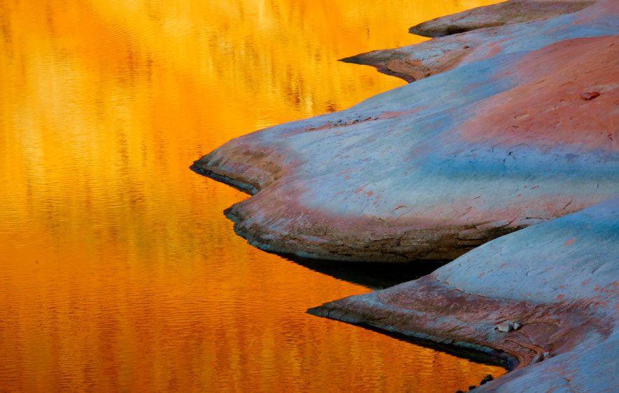 UT_3946_Londie-G_PadelskyLake Reflection, Lake Powell, Utah