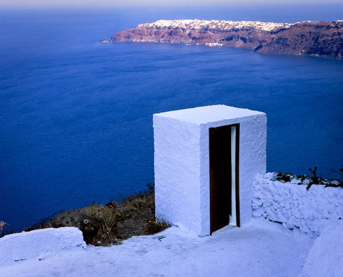 GR-143-Londie_G_PadelskyLook-out outhouse, Santorini Island, Greece