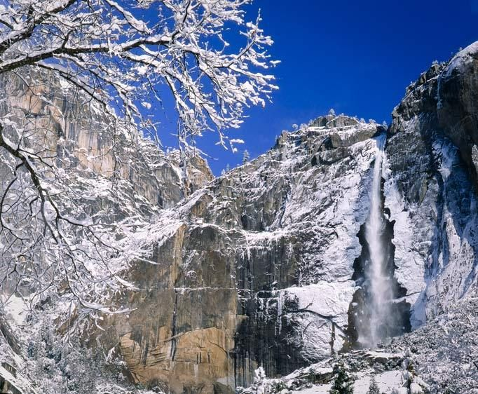 YT-001_Londie_G_PadelskyWinter, Yosemite Falls, Yosemite National Park, California