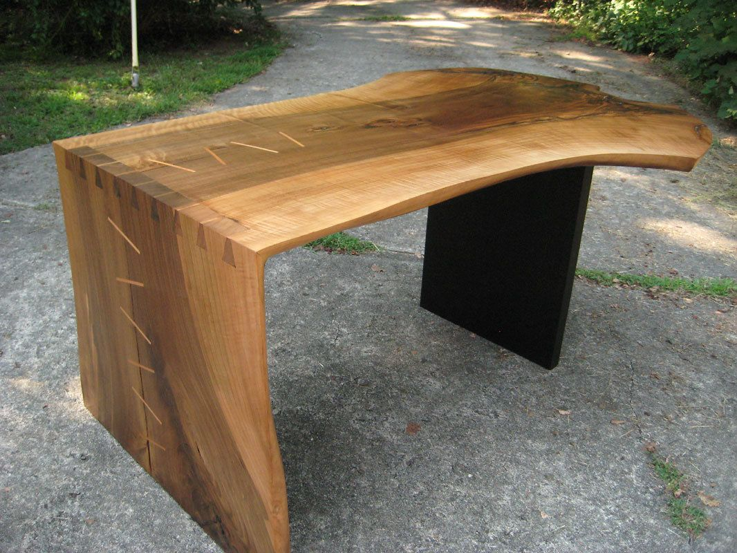 Wedge desk