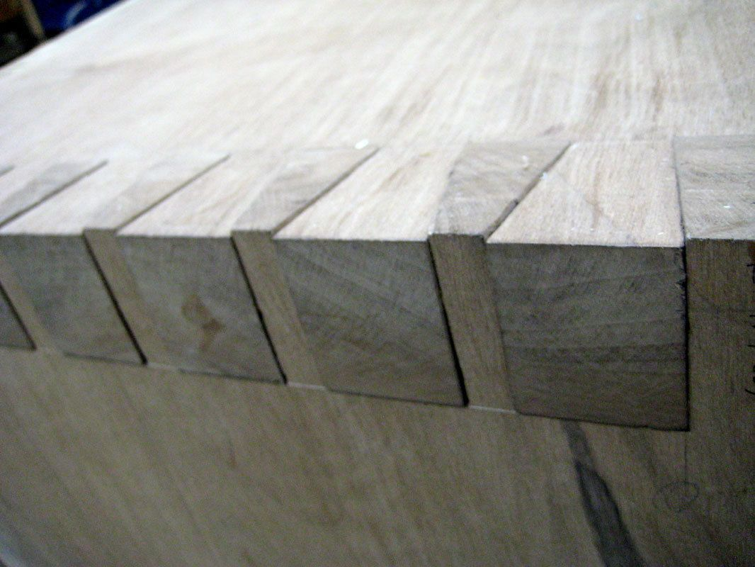 Wedge desk - detail