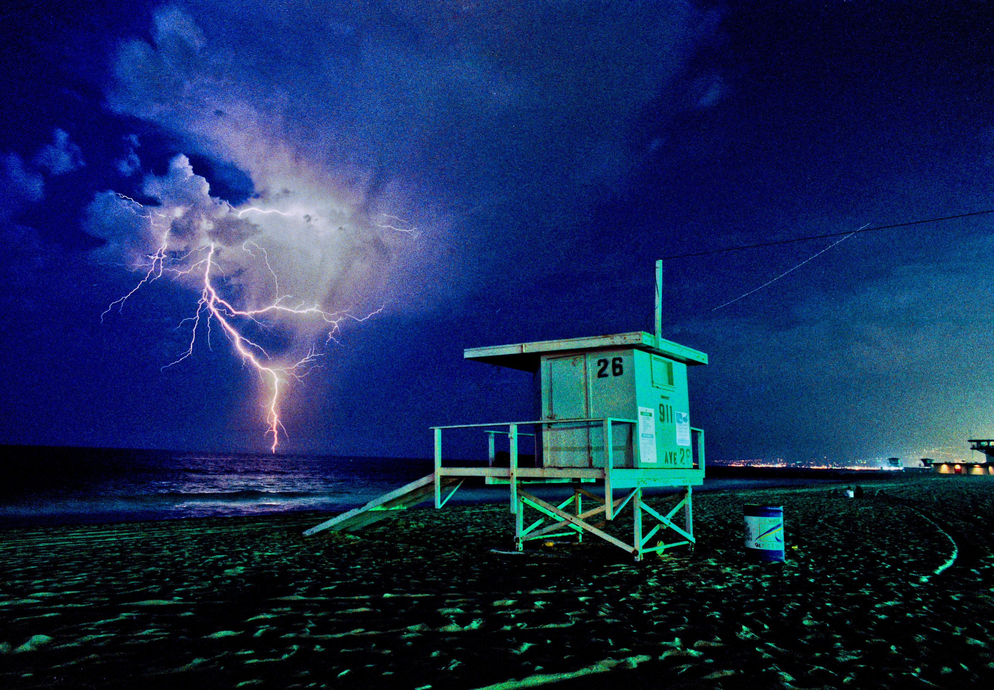 3 lightning5028.JPG
