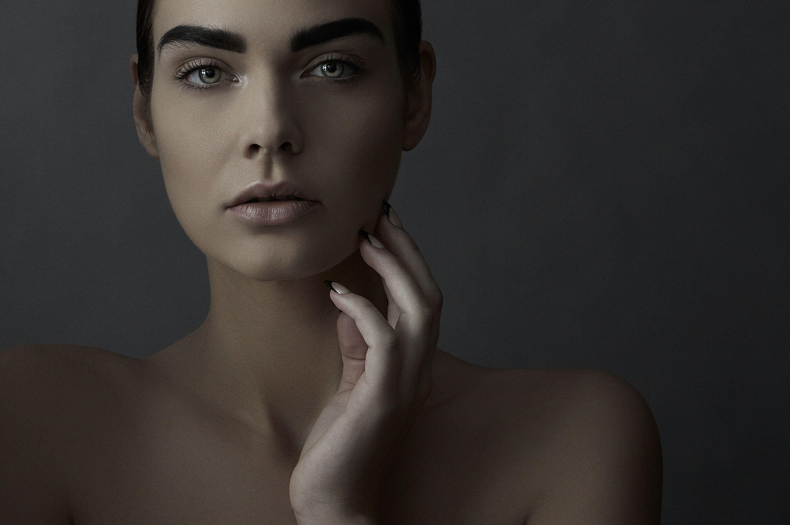 Beauty_Sterling_Horizontal_004.jpg