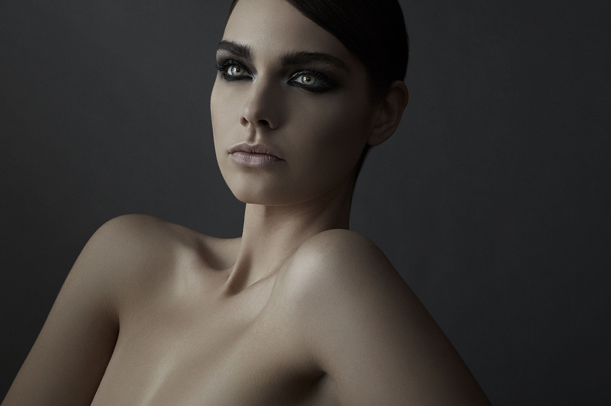 Beauty_Sterling_Horizontal_002.jpg