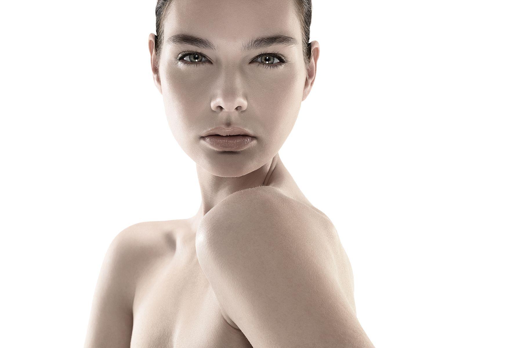 1beauty_natural_soft_light_avon.jpg