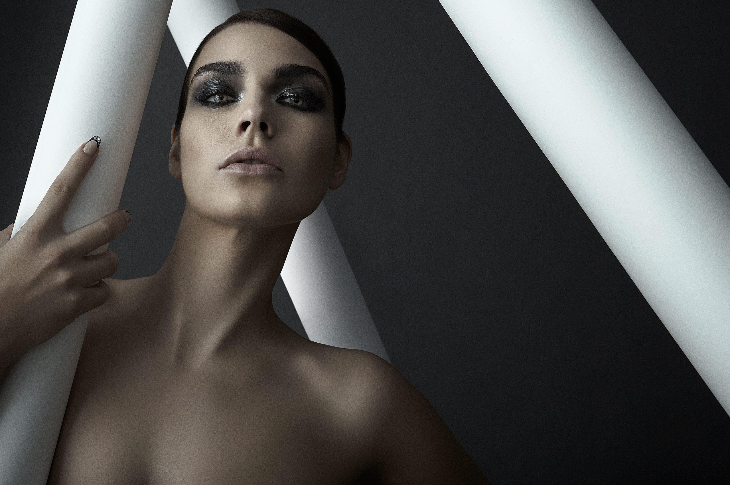 Beauty_Sterling_Horizontal_001.jpg