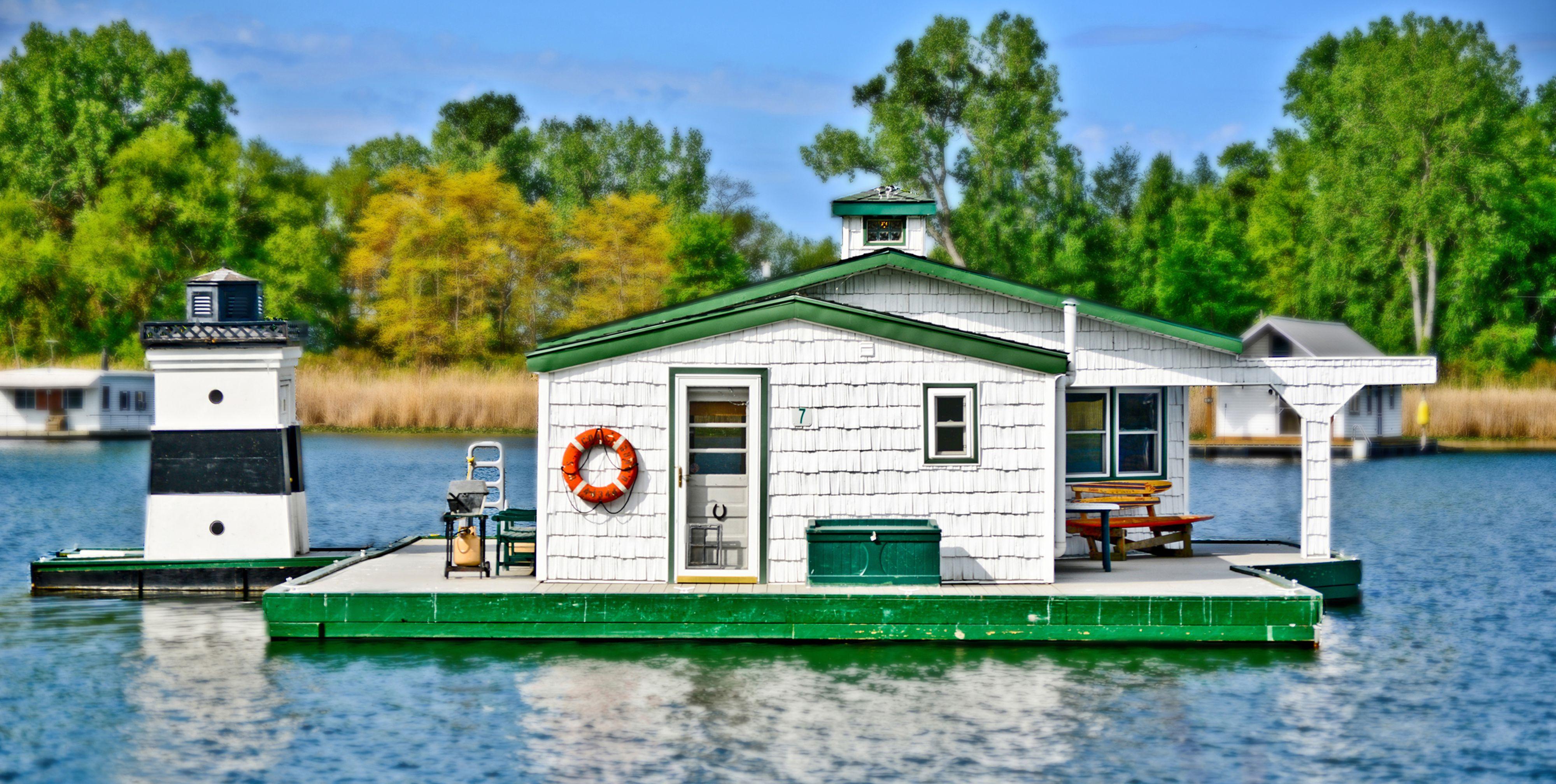 house boat 3.jpg