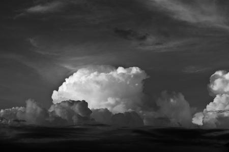 42_0_644_1black_white_clouds_.jpg