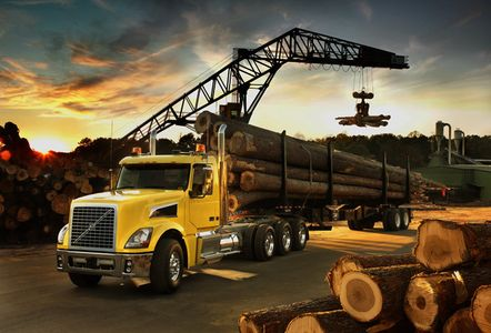 1Volvo_yellow_lumber