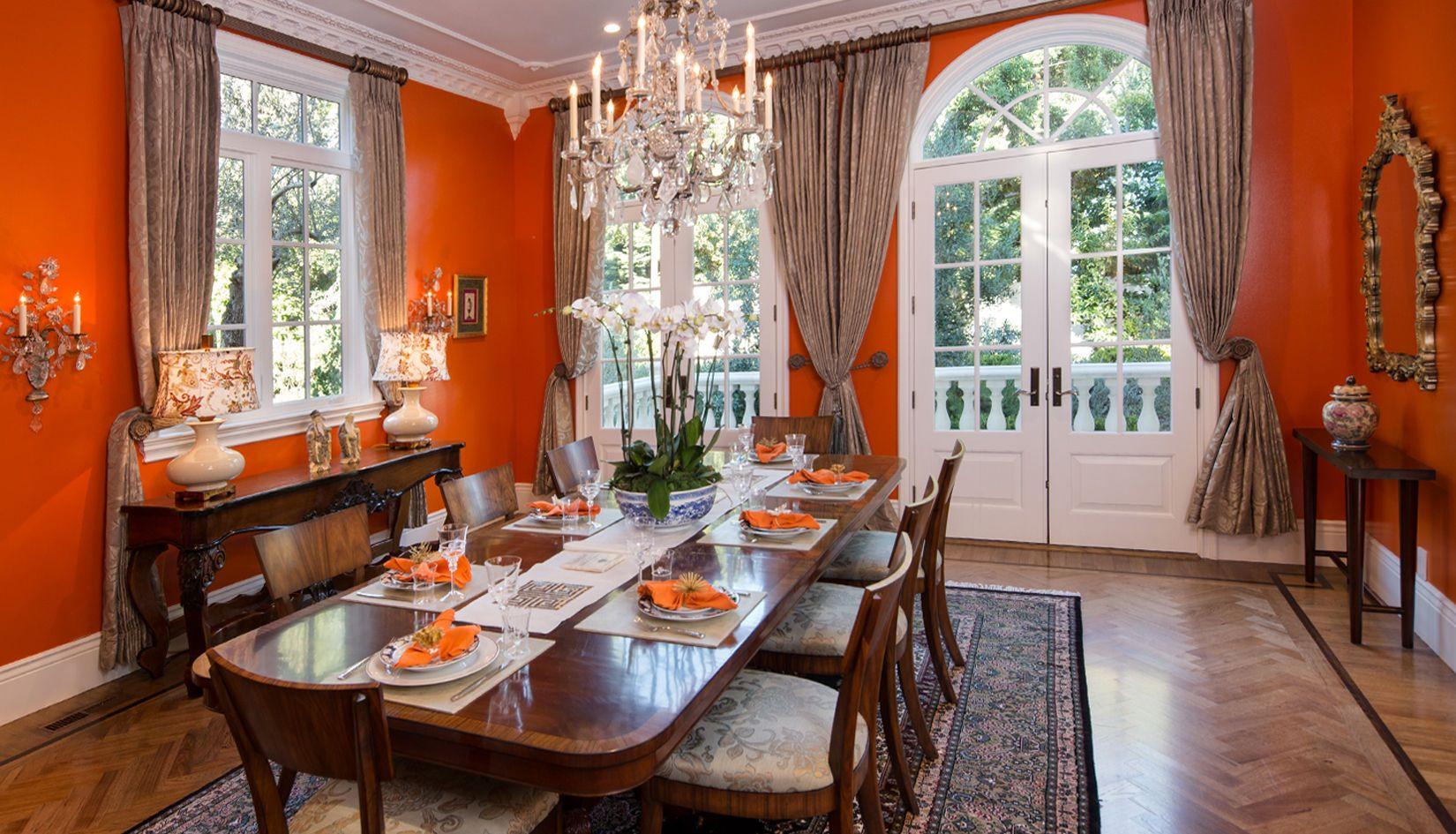 1r1650_dining_orange2