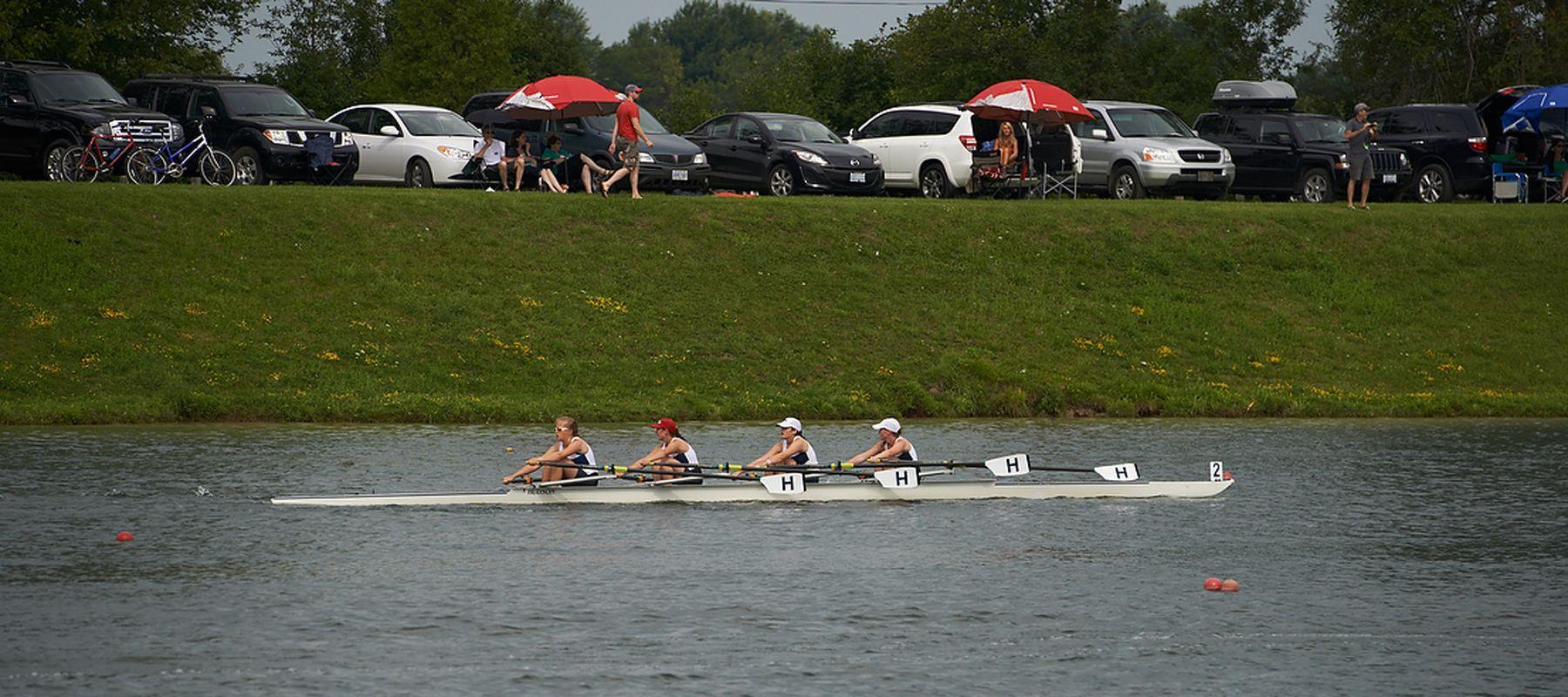 Near-the-finish-U19-women.jpg