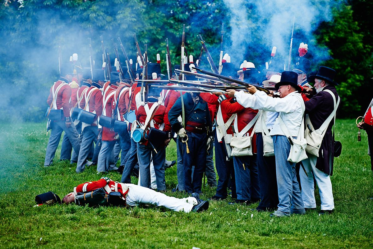 1812-Fort-York-Celebration-reenactment-battling.jpg