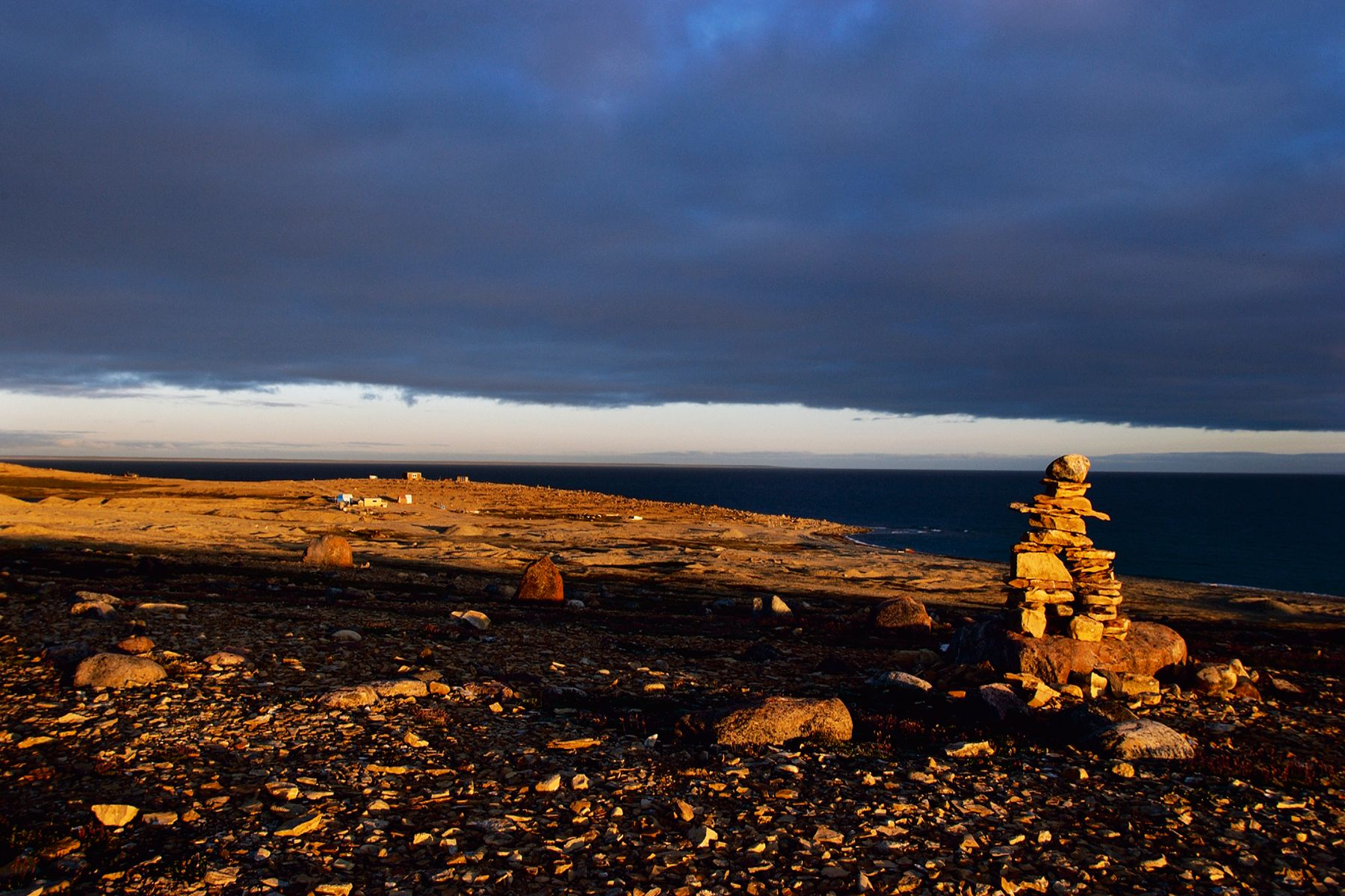 Western Arm, Inukshuk on the tundra, location photographer