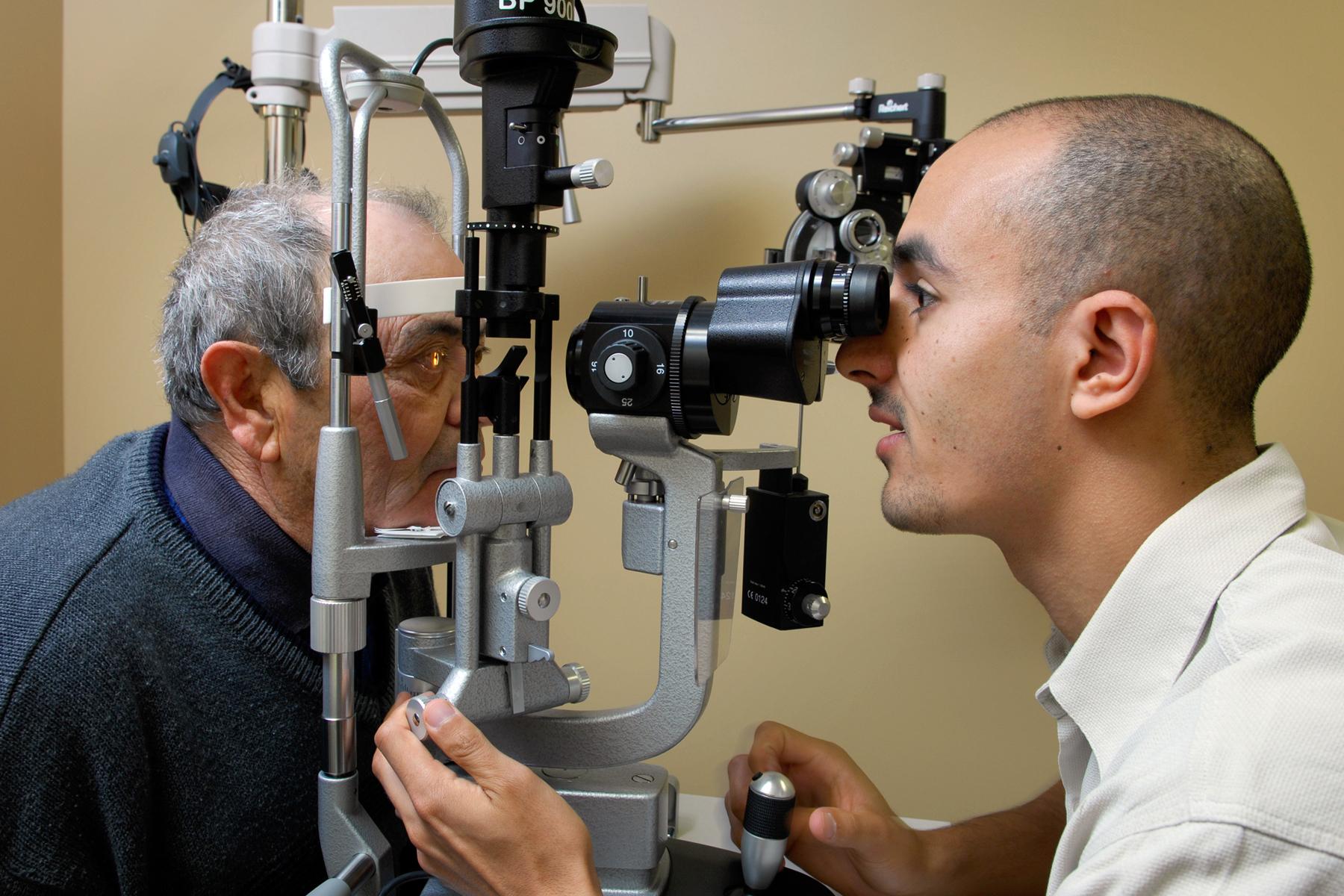 Kensington Eye Institute exam