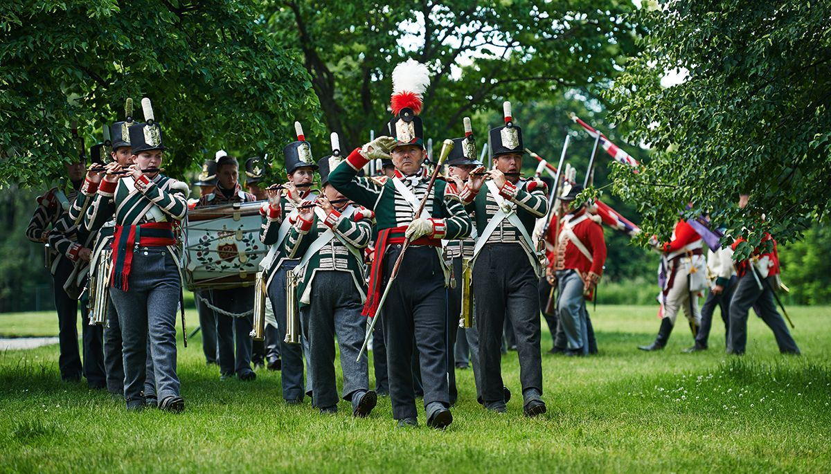 1812-Fort-York-Celebration-reenactment-post-battle-parade.jpg