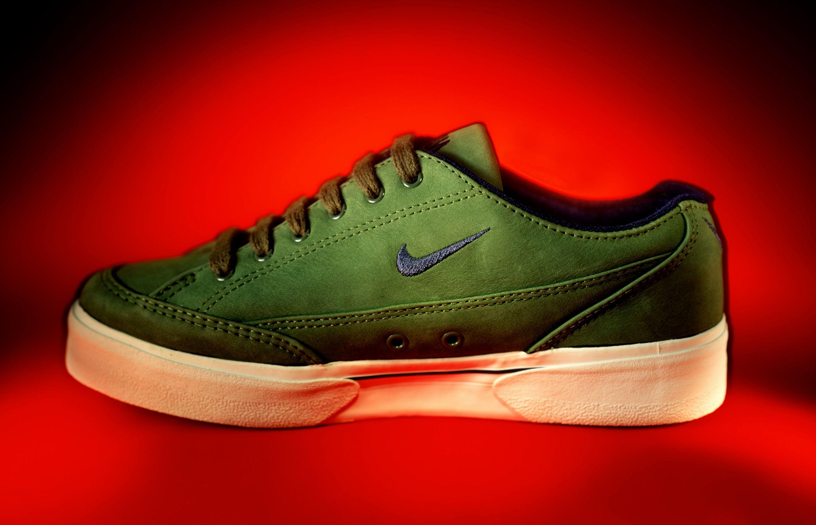 Sneaker LBN.jpg