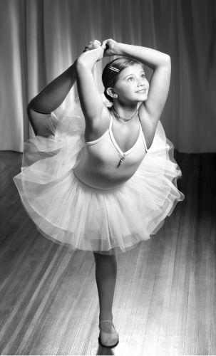 1dayna_dances__1_lb.jpg