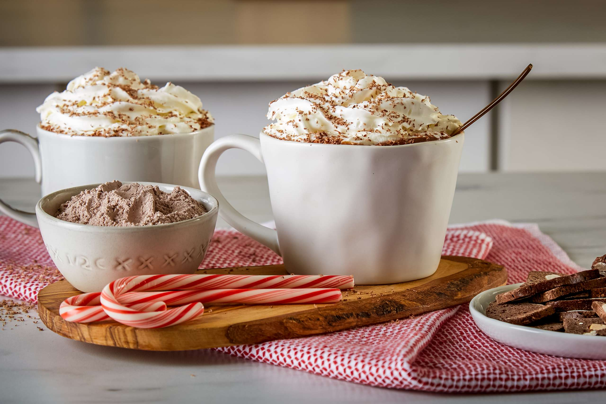 Marketing_HotChocolate_V229490.jpg