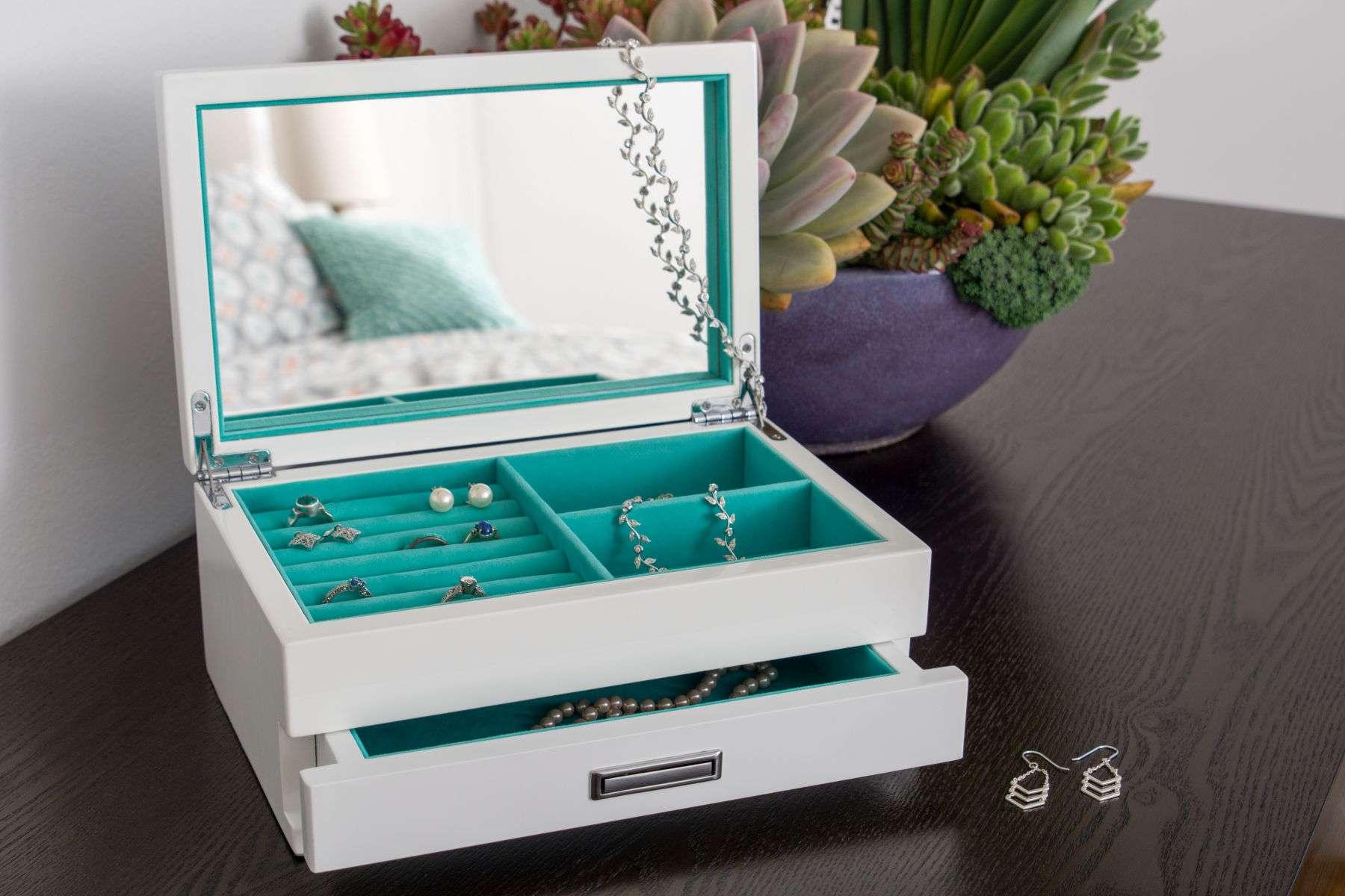 1luft_jewelrybox_6_4b.jpg