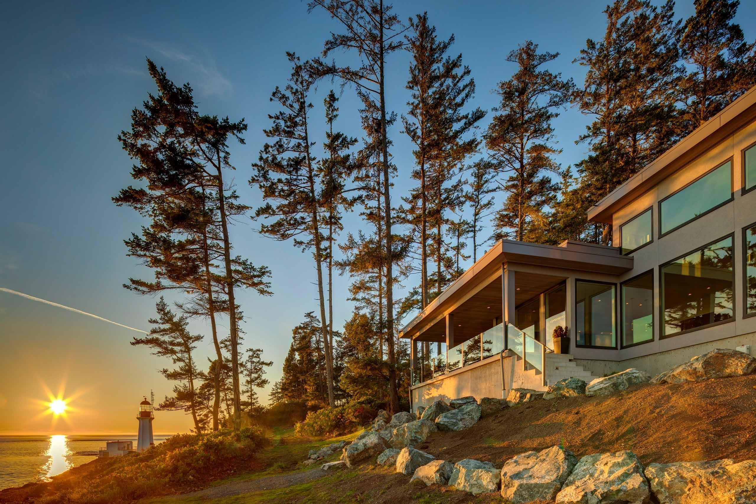 Luxury house photo - exterior ocean view