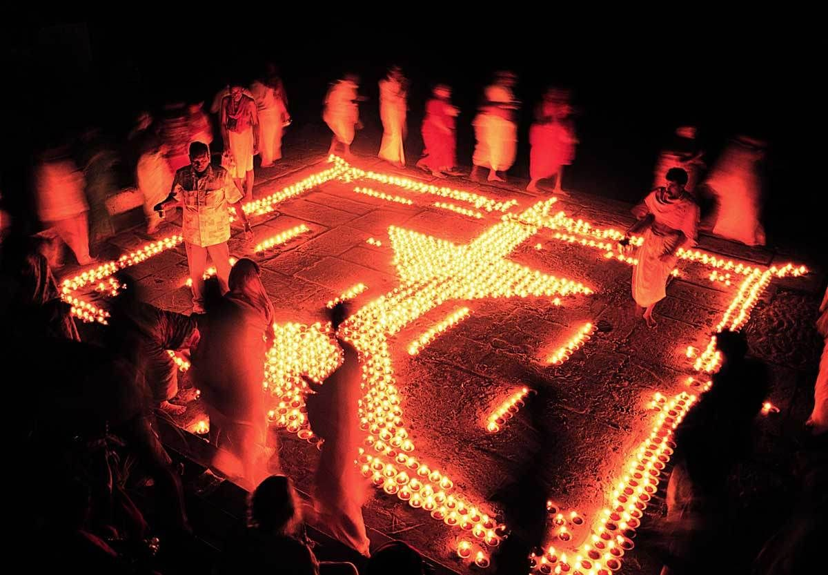 1_1shiva_candle_worship_copy.jpg