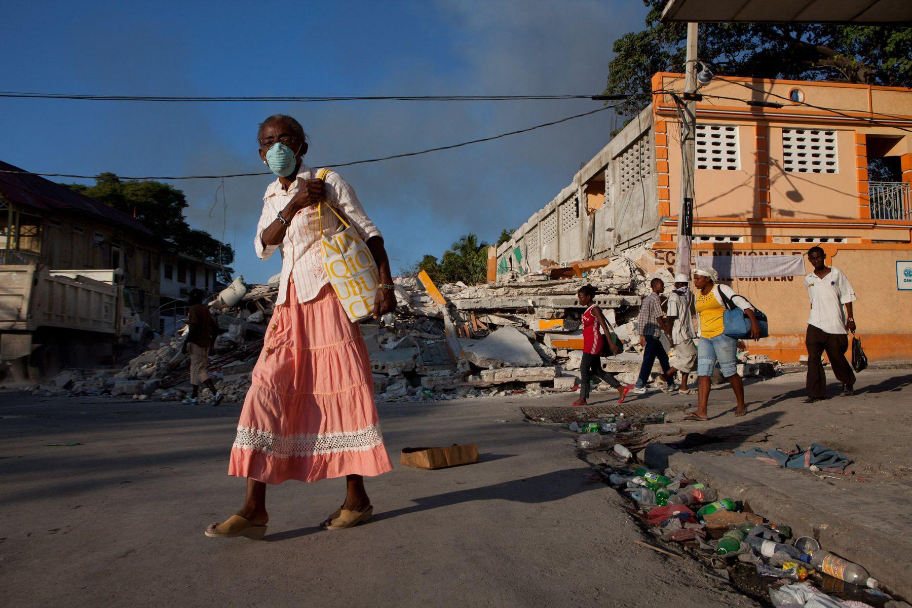 6_1r20100118_haiti725.jpg