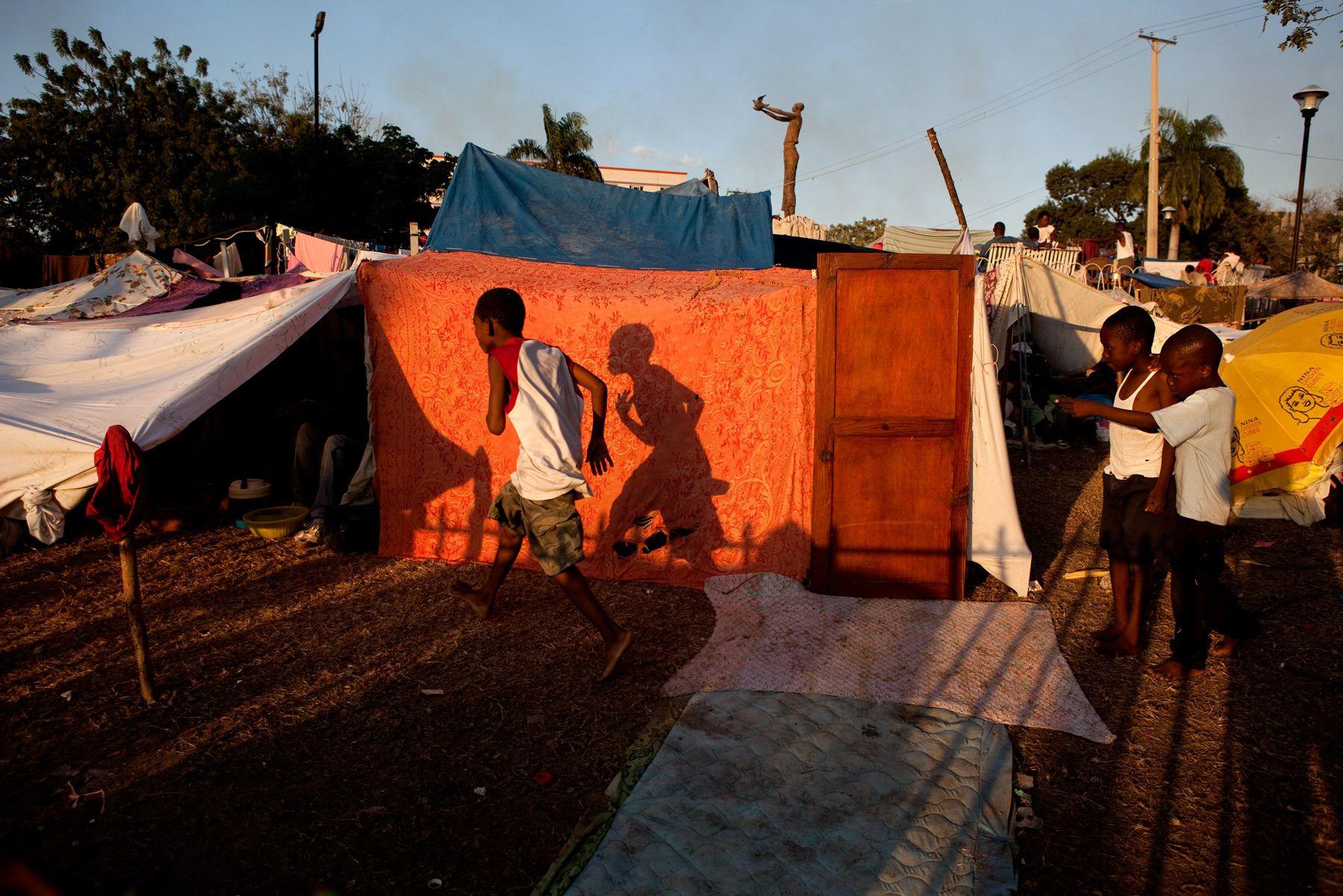 8_1r20100118_haiti804.jpg