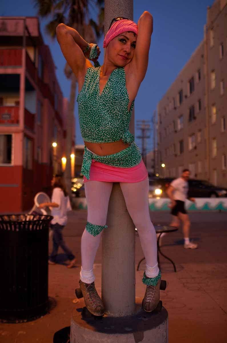 6_1r2011_0127_venice_rollergirl178.jpg