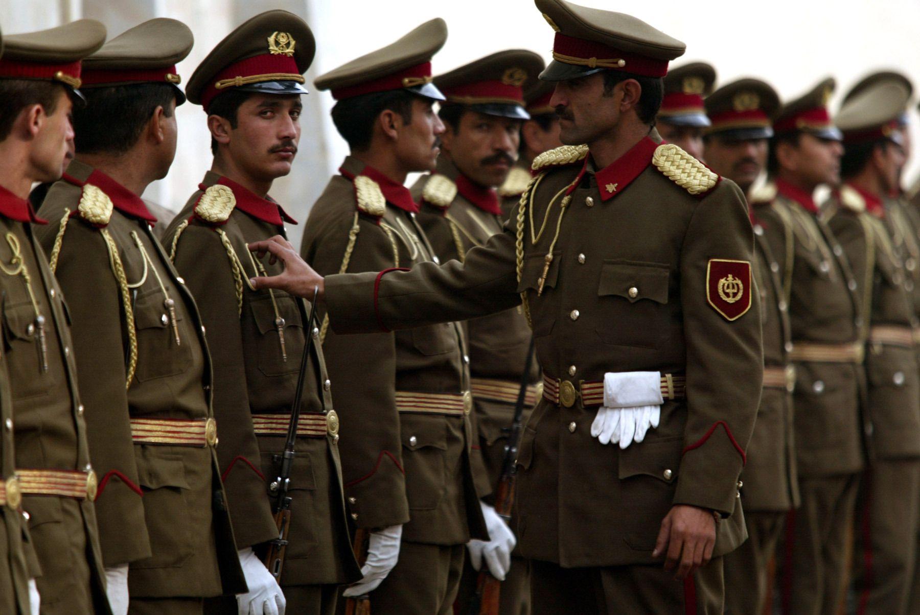 8_1afghan_military1.jpg