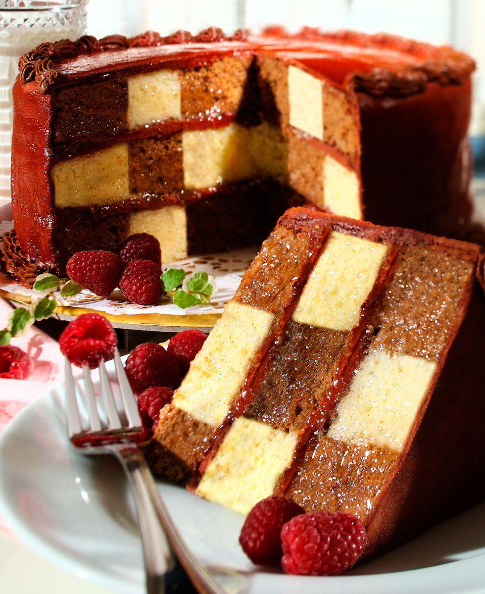1brylane_checkerboard_cake_cover_b.jpg
